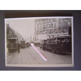 Paris Rue Saint Antoine...