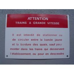 Attention Trains à Grande...